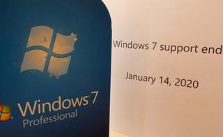 Urzędy masowo aktualizują system Windows. Czy to legalne?