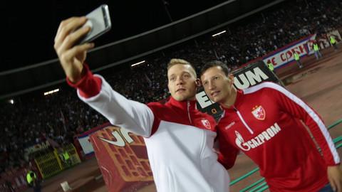 """Uhvatili smo Radojičića na utakmici """"Crvene zvezde"""", a njegovo ponašanje će vas iznenaditi"""