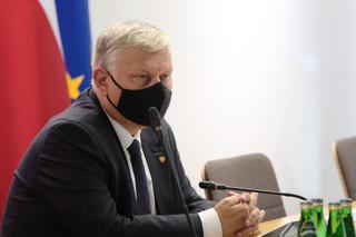 Suski o Funduszu Odbudowy: Tusk chyba ma jakiś przeciek, że jednak Polska te pieniądze dostanie