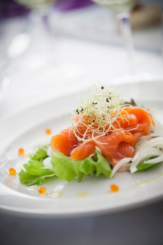 Losos i salata - i na pogled primamljivo