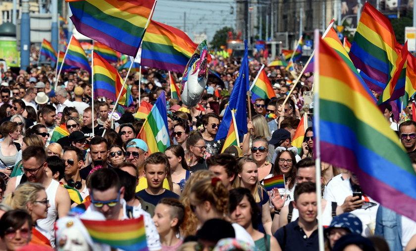 Czy Polacy boją się LGBT? Zaskakujące wyniki sondażu