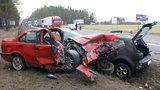 Masakra na drodze! Z auta wypadł silnik!