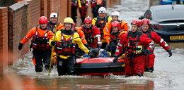 Powodzie w północnej i środkowej Anglii. Jedna osoba zginęła