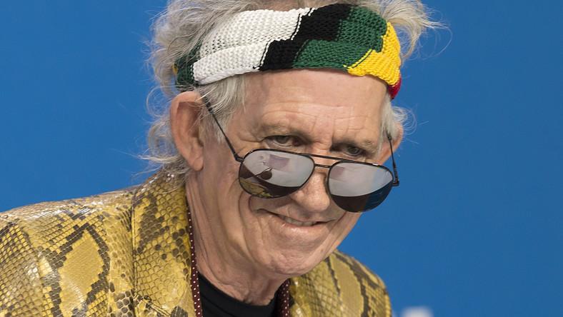 """Od czasu jego poprzedniej solowej płyty minęły 23 lata. Poza kolejną porcją zmarszczek po Keithie Richardsie nie słychać jednak upływu czasu. Wciąż potrafi uwodzić gitarą i nieważne, czy gra w rockowym, country'owym, czy bluesowym stylu. """"Crosseyed Heart"""" wypuścił w przerwie kolejnej trasy koncertowej Rolling Stones. Materiał zaczął powstawać już w 2011 roku, w czasie, kiedy muzyczny świat zaczytywał się w bestsellerowej autobiografii Keitha """"Życie"""". Jak przyznaje w wywiadach jej autor, pisanie było najtrudniejszą rzeczą, jaką do tej pory zrobił. Łatwiej idzie mu pisanie piosenek."""