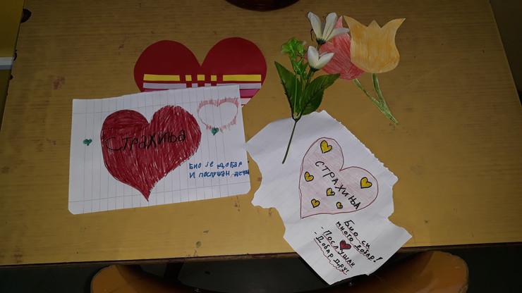 Neki od crteža kojima su se učenici oprostili od tragično nastradalog druga