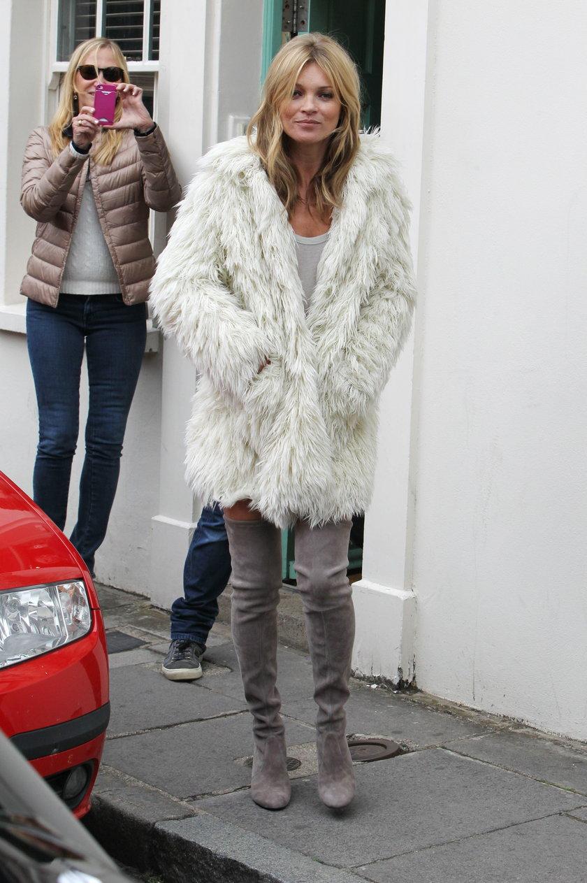 Kate Moss w trakcie pracy