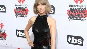 Taylor Swift i Selena Gomez w seksownych kombinezonach