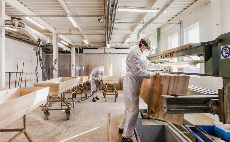 Zakład produkcji trumien w Żyrardowie