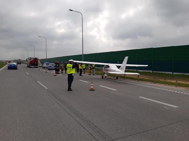 Awionetka wylądowała na autostradzie A1