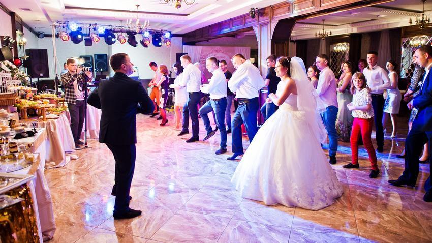 54ad38c43a Ślub i wesele. Jak zorganizować tanio przyjęcie weselne