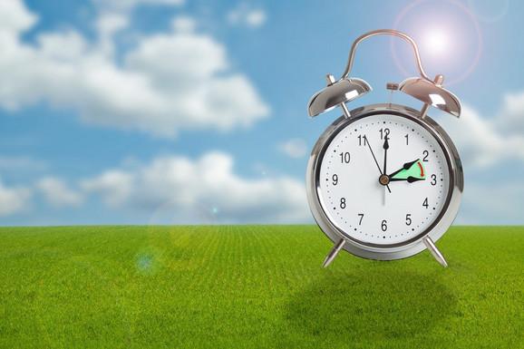 Ne zaboravite da večeras pre spavanja pomerite kazaljke za jedan sat unapred