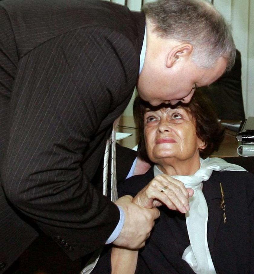 Matka prezesa się o niego boi