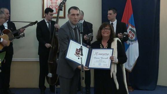 Vesna Čipčić sa plaketom Kikinde