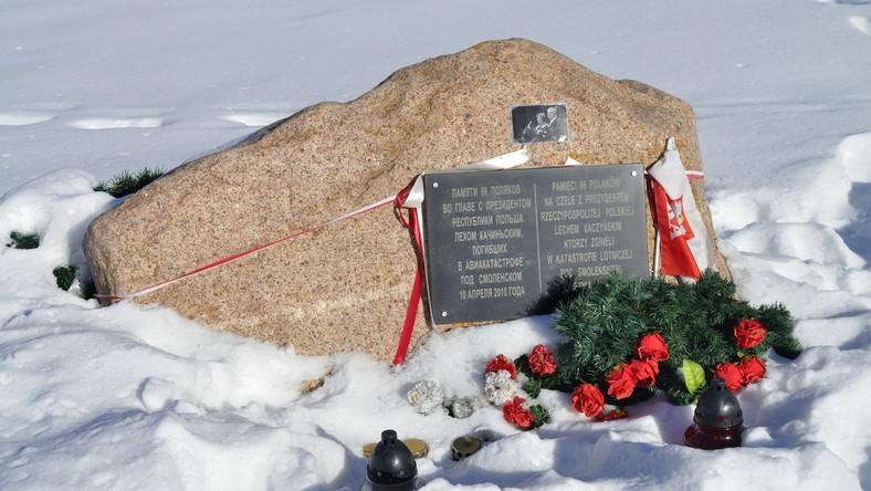 Pomnik na miejscu katastrofy w Smoleńsku