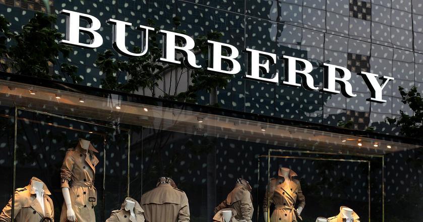 Burberry traci na giełdzie po zapowiedzi, że nie odnotuje wzrostu sprzedaży do 2021 roku