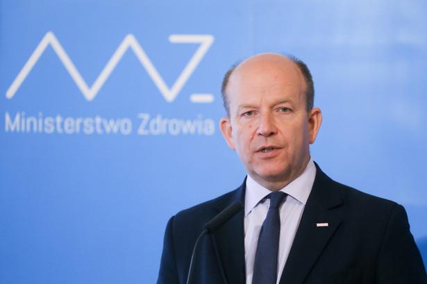 Minister zdrowia Konstanty Radziwiłł podczas konferencji prasowej w siedzibie MZ