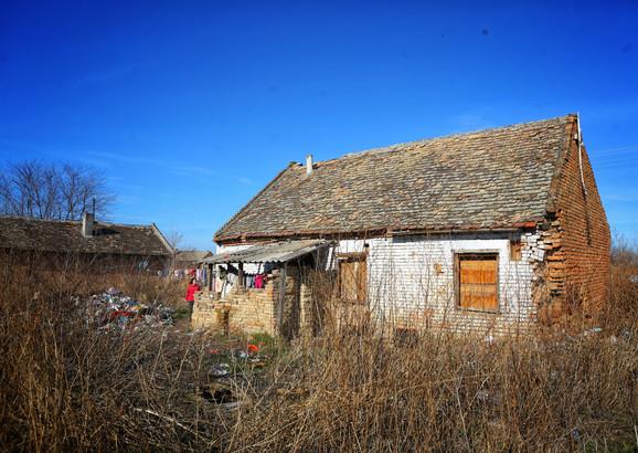 Kuća u kojoj su deca sama živela