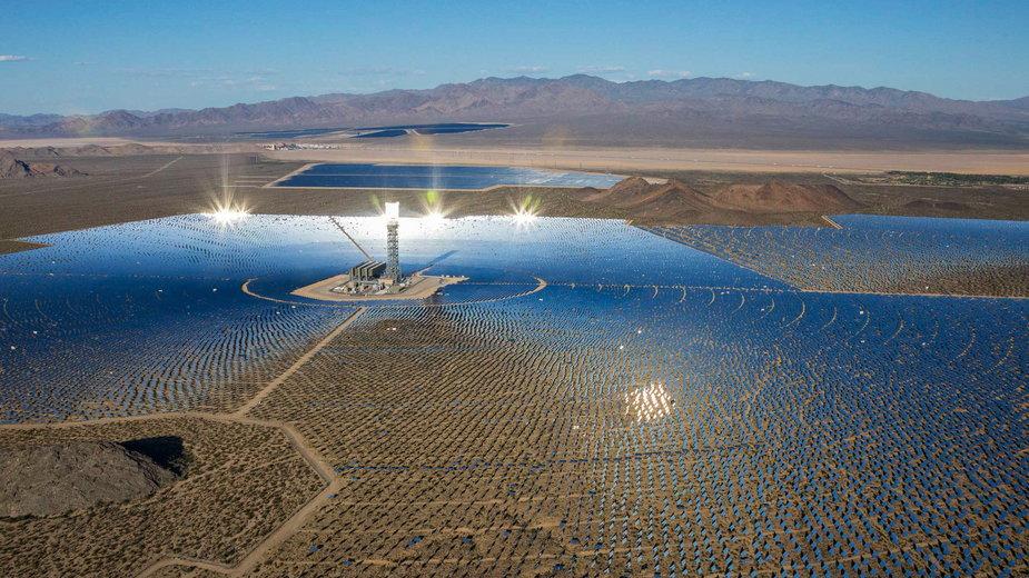 Elektrownia słoneczna w Nipton, w stanie Kalifornia