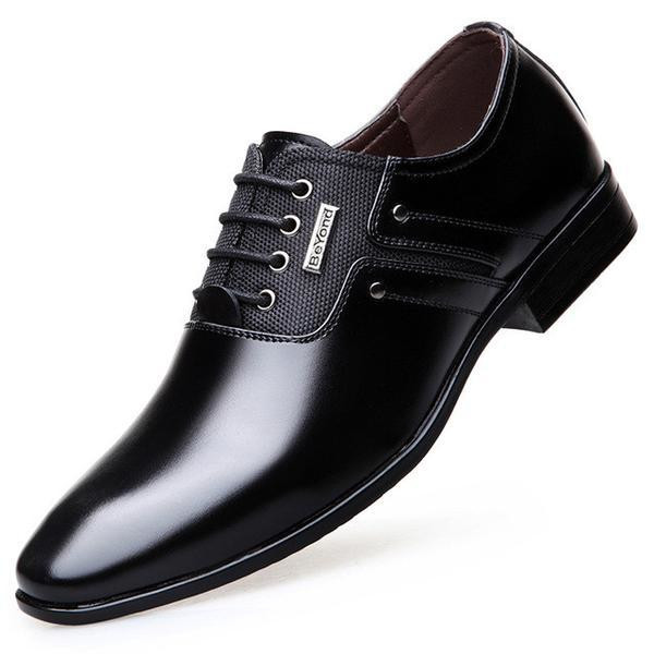 Pointy shoes for men (Courtesy)