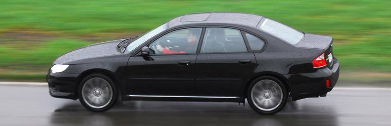 Długość Legacy w wersji sedan to 4665 mm, czyli tyle, co auta klasy średniej.