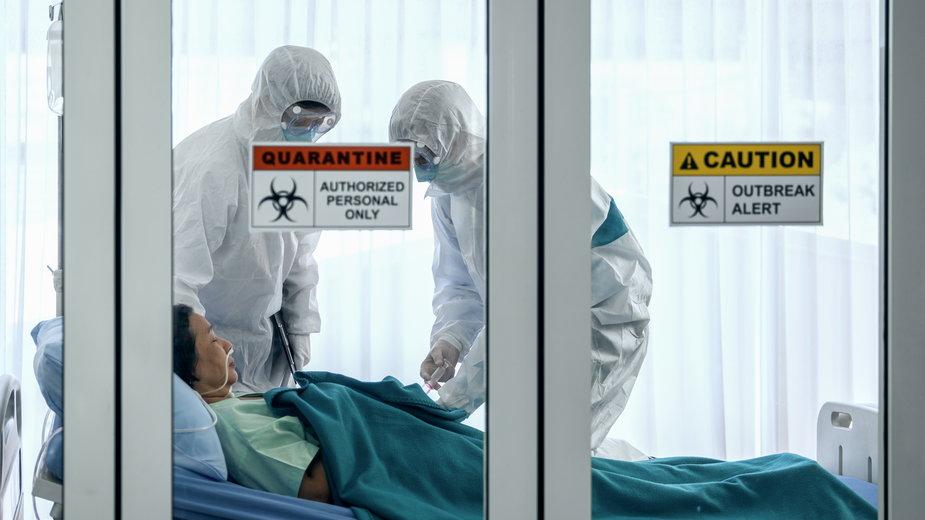 Koronawirus. Według ekspertów 1,6 mln Polaków miało już COVID-19