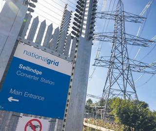 Mieszkańcy Wielkiej Brytanii bezradnie patrzą na rachunki za energię