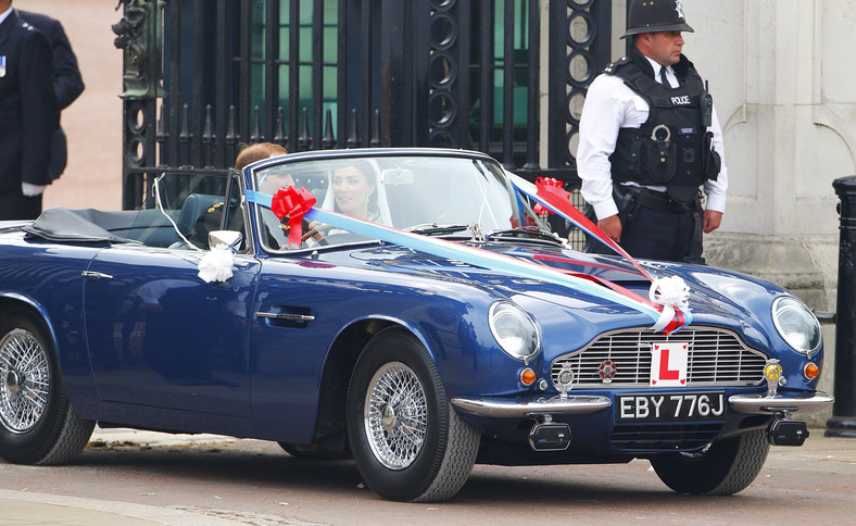 Silnik zabytkowego Aston Martina, którym w dniu ślubu jechali książę William i księżna Kate, został przystosowany do paliwa wytwarzanego metodą destylacji wina