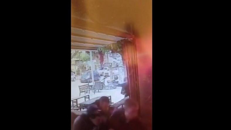 Kadr z nagrania ataku na bar w Tel Awiwie