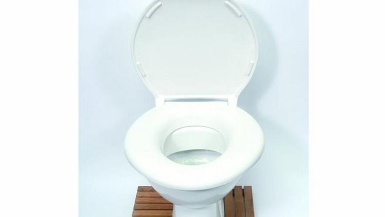 Big John, model toalety, która wytrzymuje obciążenie 380 kg