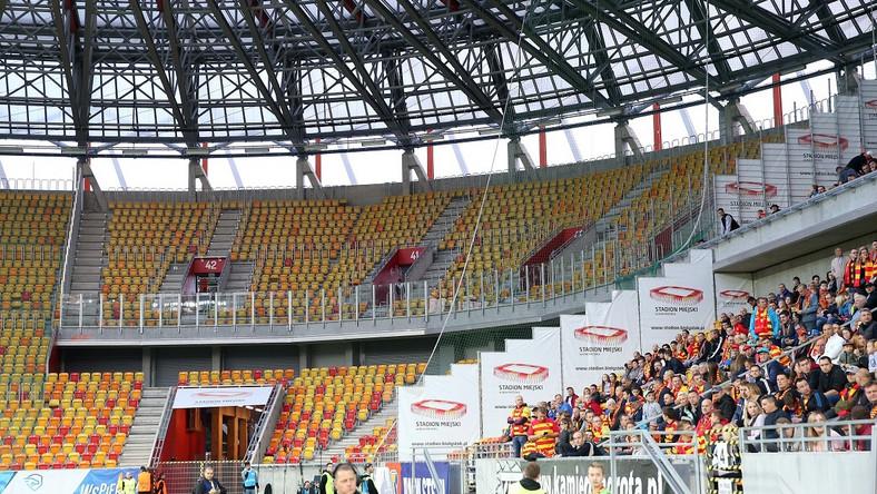 Pusty sektor kibiców gości na stadionie Jagiellonii