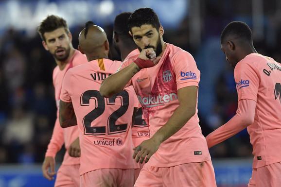 Luis Suarez je slavio pobedu Barselone protiv Alavesa