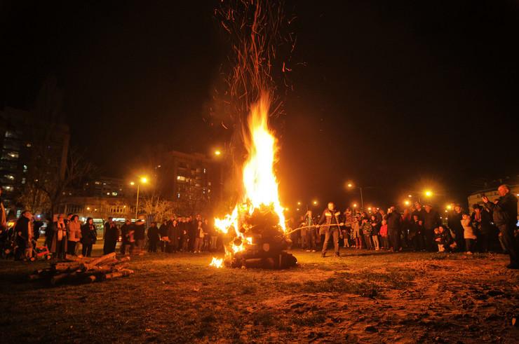 Novi Sad 162 Paljenje badnjaka pravoslavni bozic foto Robert Getel