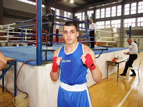 Naš bokser Đorđe Bujišić
