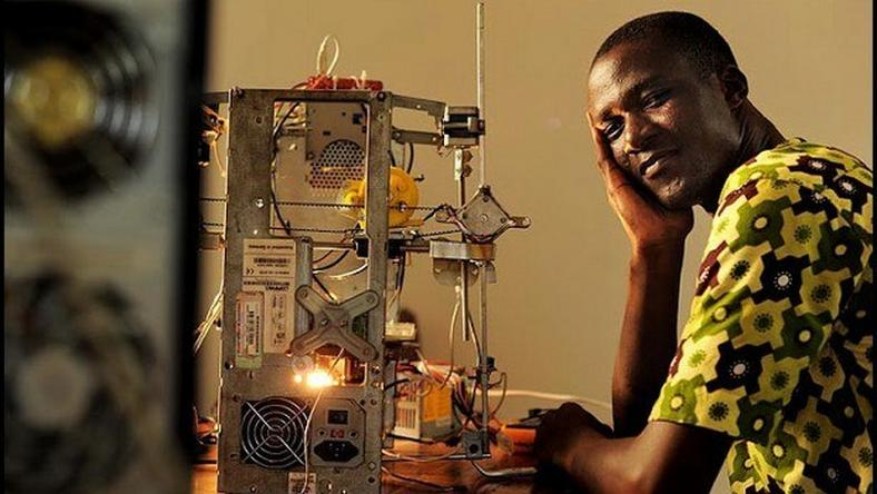 "Togo cuts up a fine figure regarding technological innovations. After the second innovation prize for Africa 2014 won by Logou Minsob with Foufoumix, another Togolese, Afate Kodjo Gnikou, author of the 3D printer made with the objects of recyclable material ""3D Wafate Printer"", drawn attention."