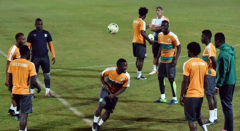 Ivory Coast's players take part in a training session on January 22, 2017 in Bitam during the 2017 Africa Cup of Nations tournament in Gabon