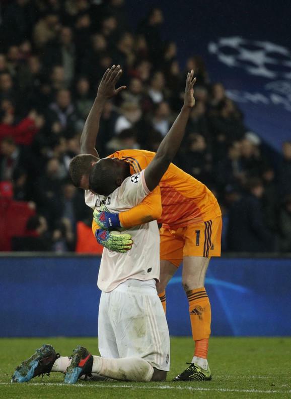 David de Hea proslavlja pobedu sa junakom utakmice Romelu Lukaku