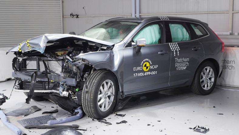 crash test Volvo XC60