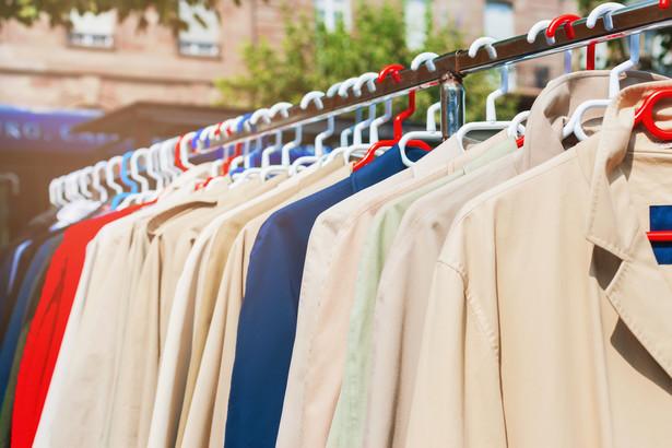 ubrania, odzież, bazar