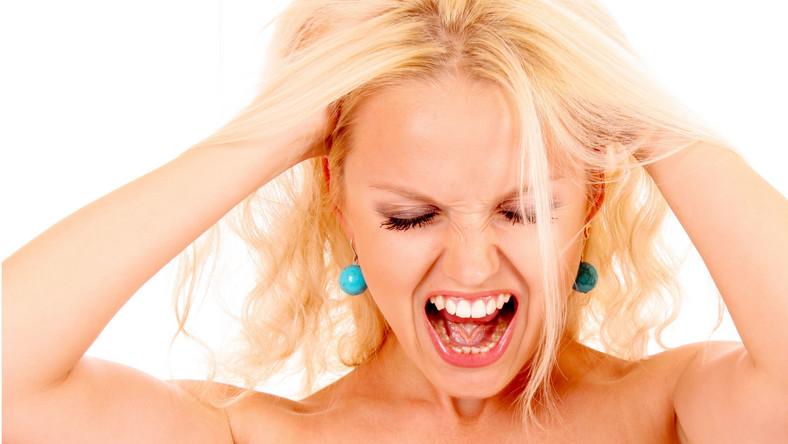 Jak wyraża się agresja u kobiet?