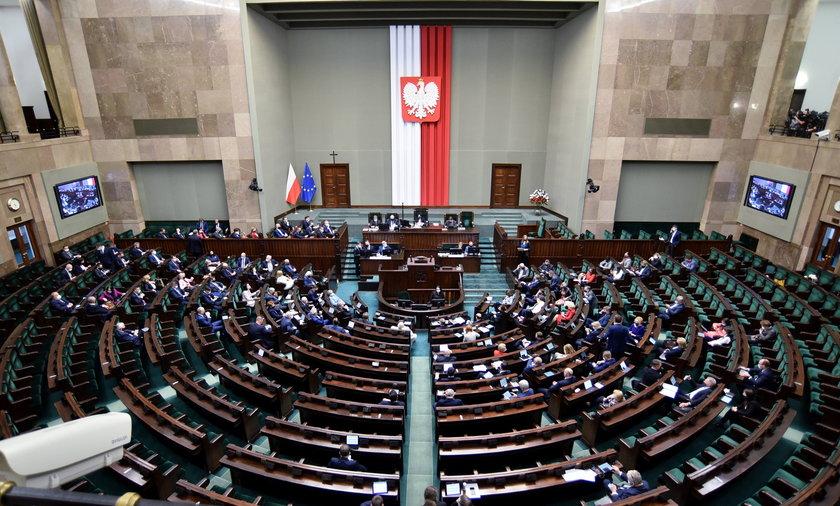 Te partie nie wejdą do Sejmu?