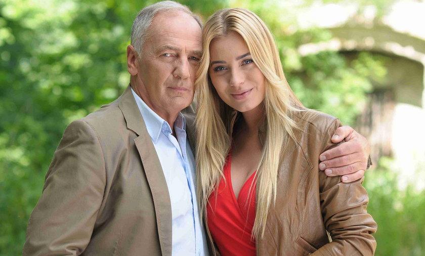 Marcelina Zawadzka i Karol Strasburger w serialu Pierwsza Miłość