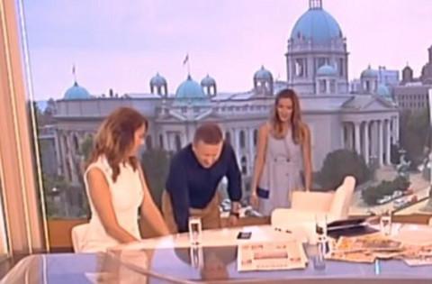 Jovana Joksimović doživela ŠOK UŽIVO U JUTARNJEM: Počelo je dodirivanje ispod stola! Njena reakcija je sve REKLA!