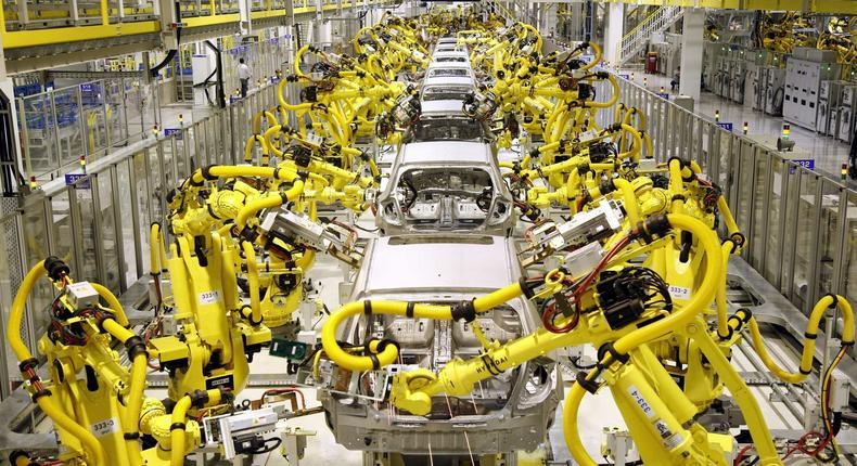 Robots on a Hyundai vehicle assembly