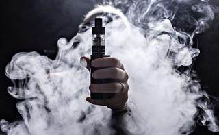 Zatrucia e-papierosami: Szykują się ograniczenia w dostępie?