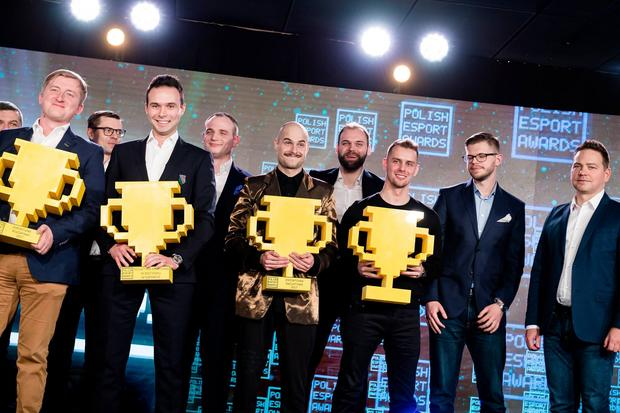 Jakub Paluch i laureaci Polish Esports Awards