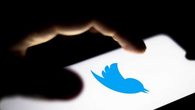 Twitter suspends its verification programme