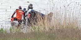 Zatopione auto w Pogorii, nie żyje 60-latek. Policjanci mają wstrząsającą hipotezę
