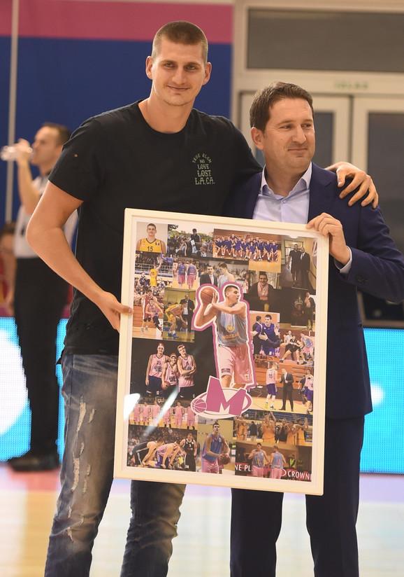 Nikola Jokić je dobio poklon na meču Mega Bemaks - Partizan