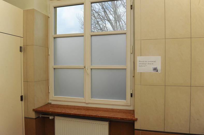Komunikat w toalecie w kancelarii premiera