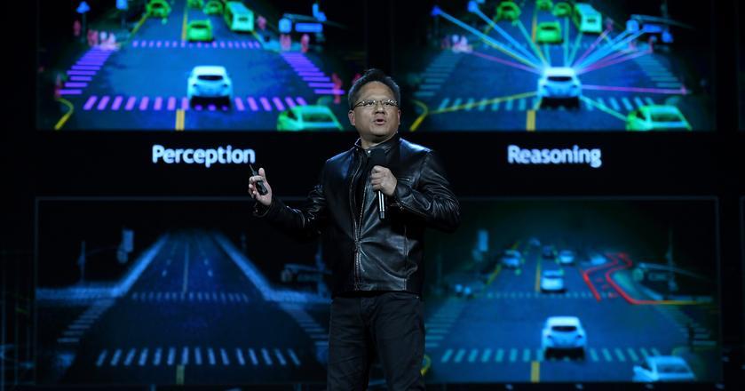 CEO Nvidii Jen Huang podczas konferencji CES w 2017 roku. Już wtedy firma pracowała nad autonomicznymi samochodami